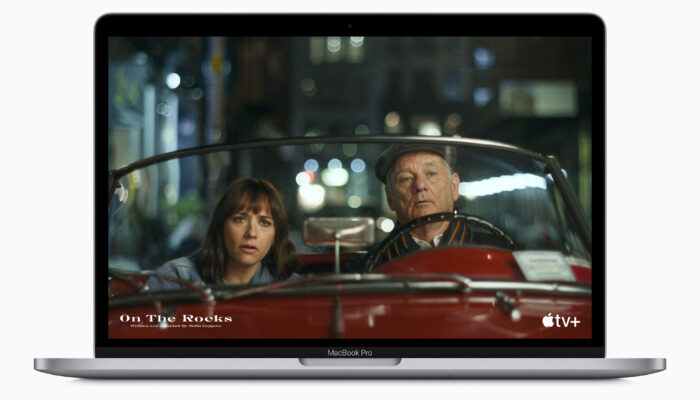 Apple_m1-chip-macbookpro-apple-tv-plus-screen_11102020