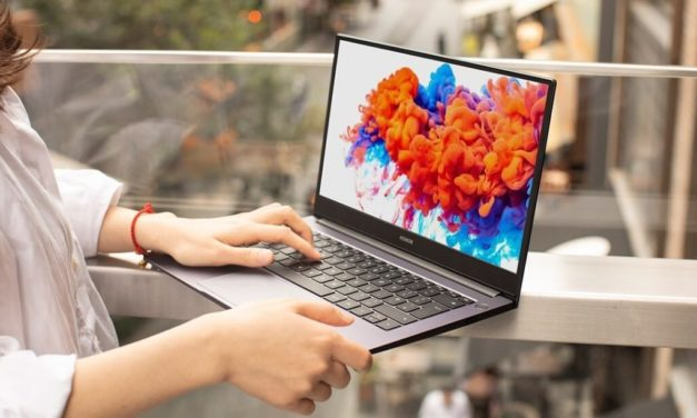 Stunning Full View Display with HONOR MagicBook Series