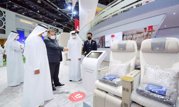 Emirates welcomes His Highness Sheikh Ahmed bin Saeed Al Maktoum to its ATM stand