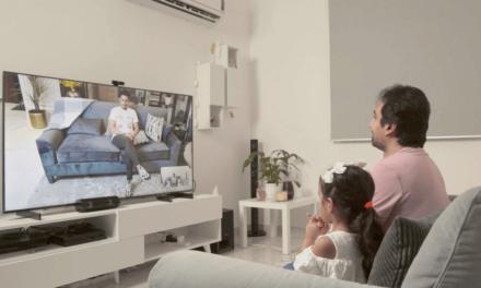 Distinguished footballer Salem Al-Dawsari surprises his fans by calling them through HUAWEI Vision S smart screen
